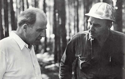 Gaylord Nelson and project crew chief discussing conservation in Wisconsin forests
